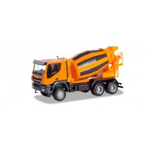 Macheta camion Iveco Trakker 6x6 betoniera