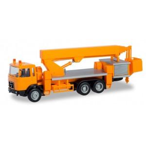 Macheta camion MAN F8 cu macara si nacela