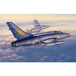 Kit de construit avion F-100C Super Sabre 1/48