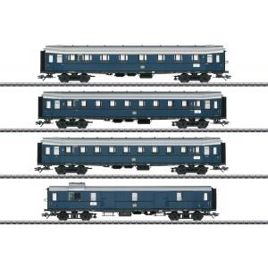Set 4 vagoane de calatori, tren Express, pentru clasa E 17,DB, Epoca III