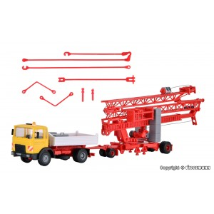 Kit de construit camion MAN 19.321UL basculanta cu remorca macara LIEBHERR SK20