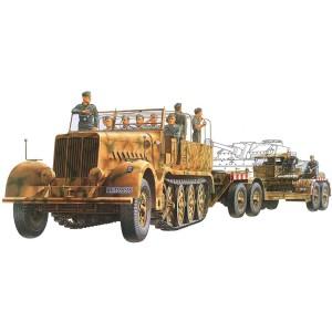Kit de construit camion militar SdKfz.9 Famo cu trailer transportor si 12 figurine 1:35